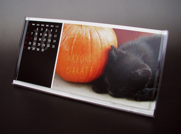 卓上名前入りカレンダー ブラック(Mサイズ)偶数月中身